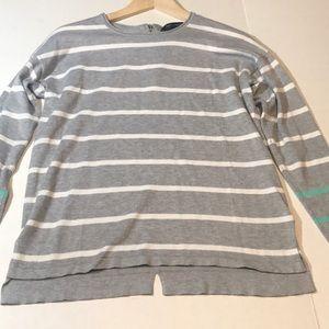 89th & Madison Gray/White/Green Sweater Zip Back